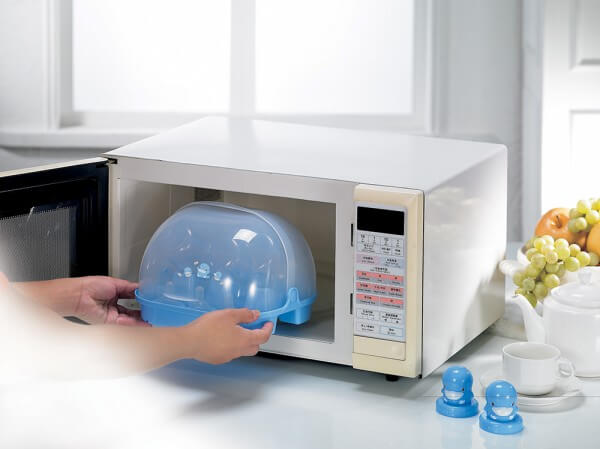 Tiệt trùng sữa bằng lò vi sóng là một trong các cách làm phổ biến nhất hiện nay