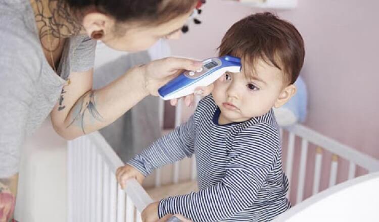 Nhiệt kế điện tử an toàn và thuận tiện, đặc biệt là với trẻ nhỏ