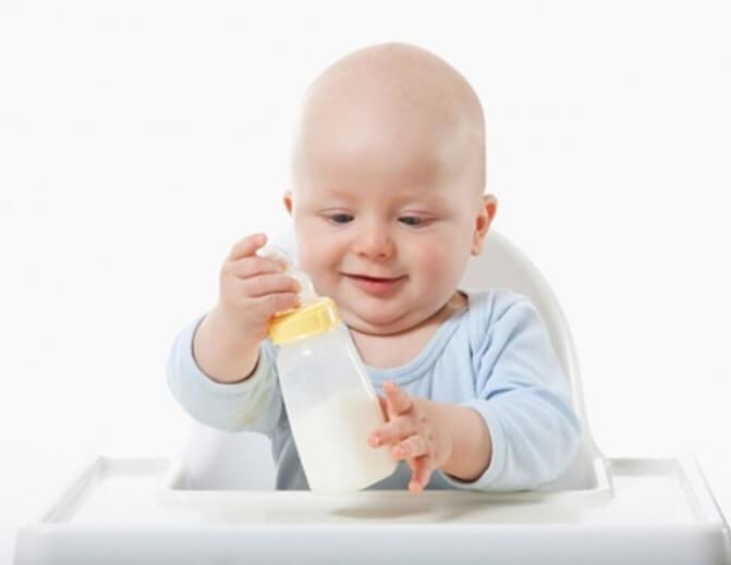 """Sữa tăng chiều cao cho bé dưới 1 tuổi là giải pháp tốt cho bé """"nấm lùn"""""""