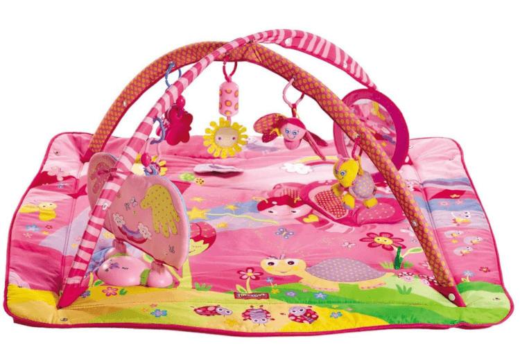 Thảm chơi cho bé loại nào tốt? Liệu thảm cho bé kèm đồ chơi và xúc xắc tạo nhạc có phải là sự lựa chọn thông minh?