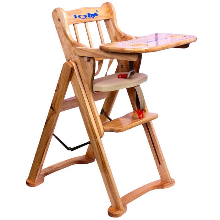 Ghế ăn dặm bằng gỗ thân thiện và an toàn với bé