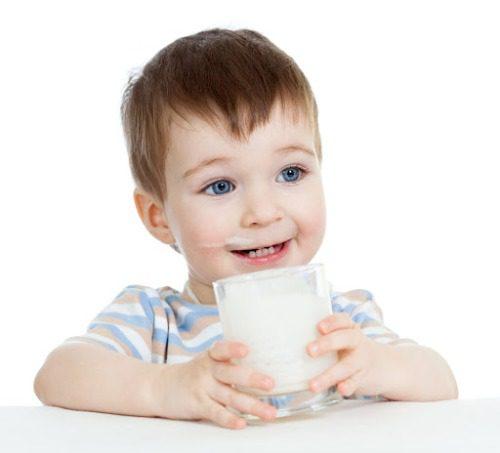 Một số loại sữa có thể giúp tăng chiều cao đồng thời phát triển trí não