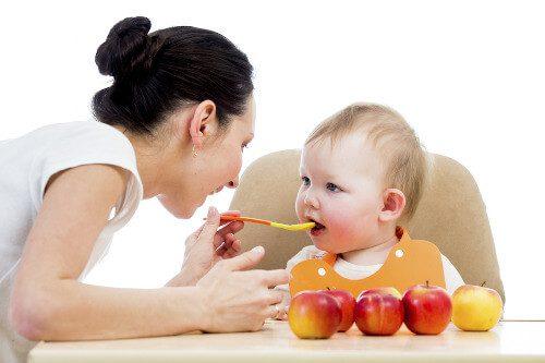 Thêm hạt nêm vào bữa ăn dặm giúp bé ăn ngon hơn
