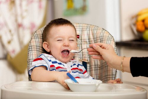 Hạt nêm được sử dụng trong bữa ăn dặm của bé