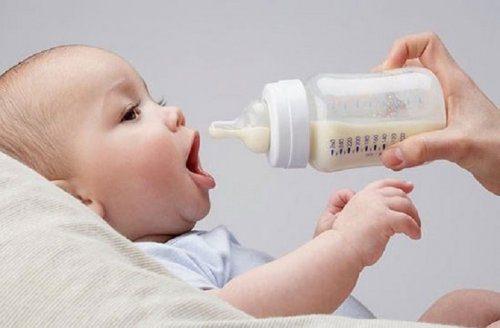 Bình sữa chuyên dùng để trữ sữa và cho bé bú sữa