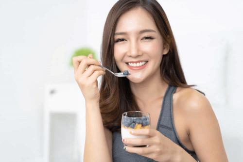 Ăn sữa chua giúp cải thiện vóc dáng, giảm cân an toàn