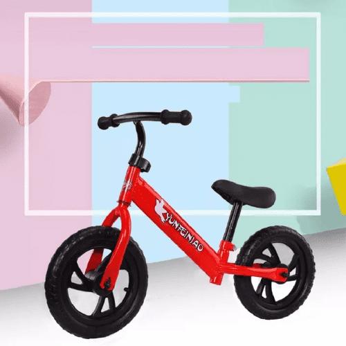Xe chòi chân 2 bánh là loại xe phù hợp với tầm vóc và thể lực của bé 3 tuổi