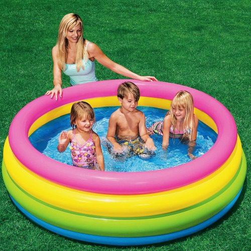 Bể bơi phao cho bé mang đến rất nhiều lợi ích
