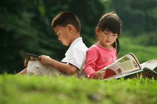Đọc sách là cách giúp con yêu phát triển trí tuệ và tình cảm một cách lành mạnh