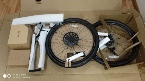 Xe đạp khi mua qua các trang thương mại điện tử đầy đủ linh kiện phụ kiện, chỉ cần lắp ráp và sử dụng