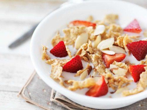 Uống ngũ cốc buổi sáng đều đặn giúp bạn đạt được mục đích