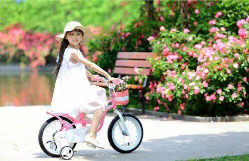 Xe đạp cho bé 4 tuổi là gì?