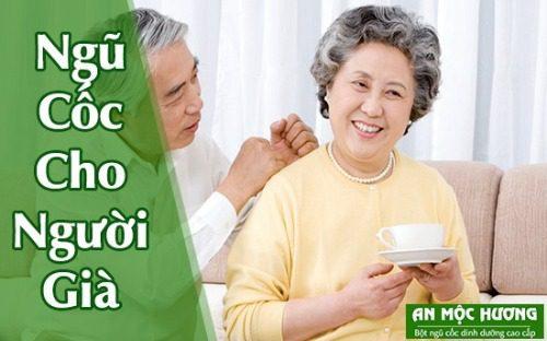 Người già uống ngũ cốc rất tốt cho sức khỏe, đặc biệt là hệ xương và hệ răng