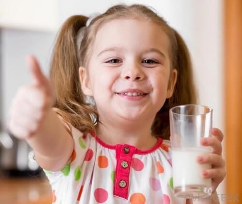 Sữa nước dạng hộp giấy Enfa giúp trẻ phát triển trí não vượt trội