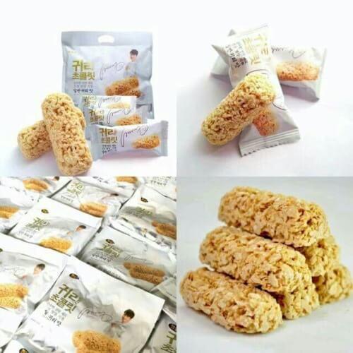 Bánh ngũ cốc là loại bánh ăn vặt giàu dinh dưỡng rất tốt cho mẹ bầu và thai nhi