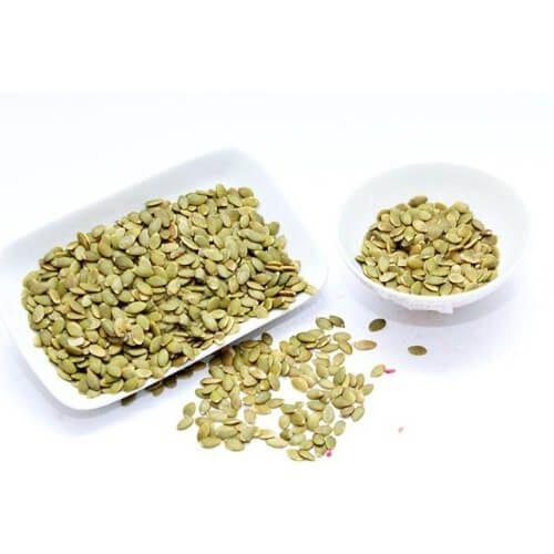 Hạt bí xanh có giá thành rẻ những vẫn chứa lượng dinh dưỡng không thua gì hạt ngoại nhập