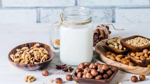 Uống sữa hạt rất tốt cho phụ nữ đang mang thai