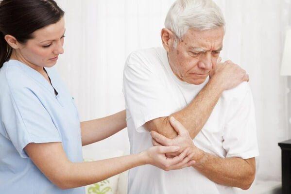 Thiếu canxi có thể gây ra nhiều tình trạng xấu đối với sức khỏe hệ xương, sụn, khớp
