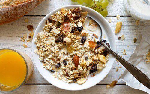Ngũ cốc hạt granola liệu có thực sự ngon và tốt như lời đồn hay không?