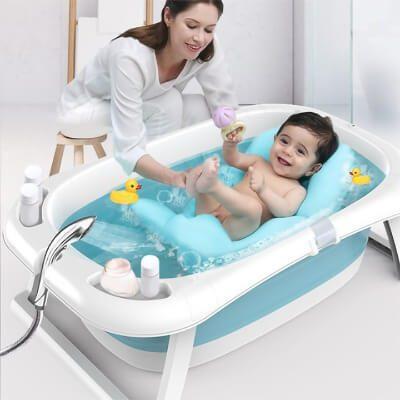Bồn tắm của bé chỉ dành để tắm gội cho bé, không nên giặt giũ quần áo trong đó