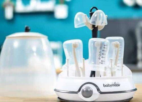 Vệ sinh các bộ phận của bình sữa thường xuyên