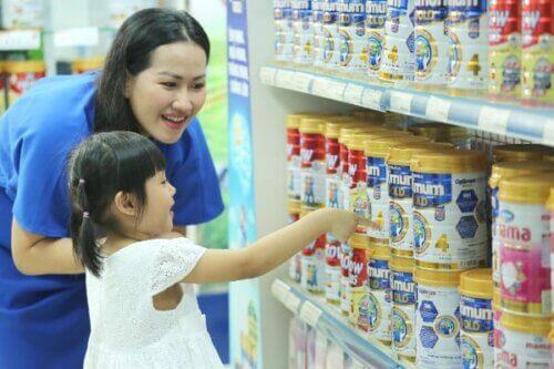 Chọn loại sữa phù hợp với thể trạng của bé để có hiệu quả tốt nhất