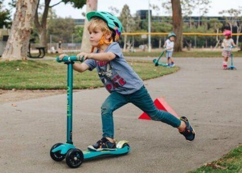 Tăng cư�ng vận động ở trẻ, cho cơ thể kh�e mạnh