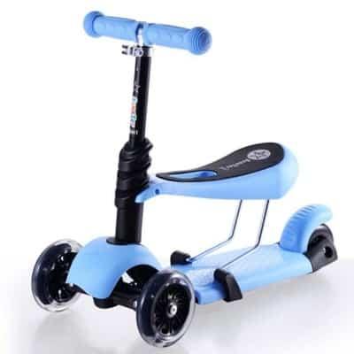 Xe Scooter cho bé 2 tuổi nên có 3 hoặc 4 bánh và bánh xe lớn