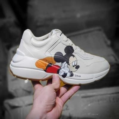 Mẫu giày sneaker kết hợp Disney x Gucci Rhyton