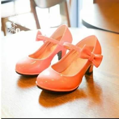 Giày cao gót dùng cho bé gái từ 6 tuổi trở lên