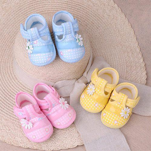 Giày vải dùng cho bé mới tập đi