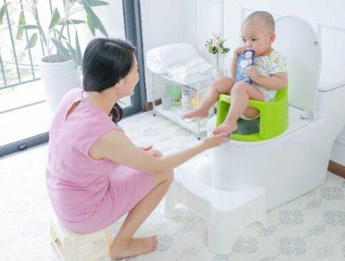 Tạo không khí vui vẻ cho bé khi sử dụng bô