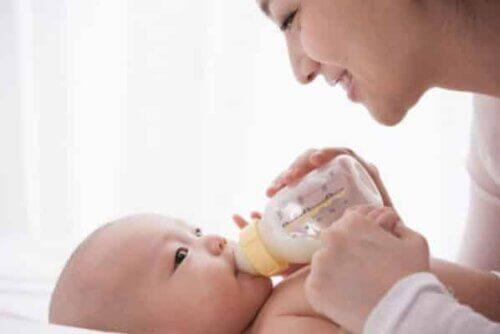Trẻ thiếu cân, nhẹ cân, suy dinh dưỡng nên sử dụng sữa tăng cân