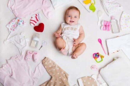 Đồ đi sinh cho bé yêu gồm những gì?