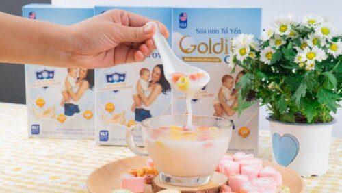 Pha sữa Goldilac Grow cùng với sữa chua