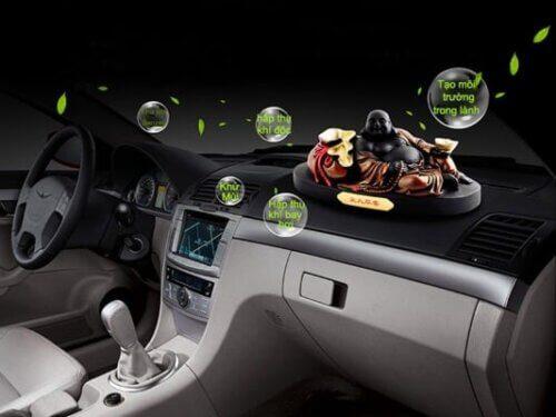 Bầu không khí sạch sẽ trong lành hơn với máy khử mùi cho xe ô tô