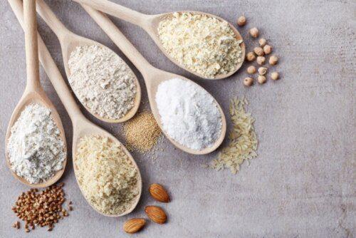Bột ăn dặm vị ngọt từ bột gạo, bột yến mạch và các loại hạt ngũ cốc