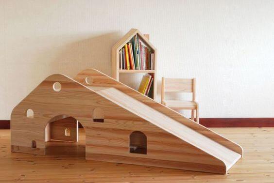 Cầu trượt bằng gỗ
